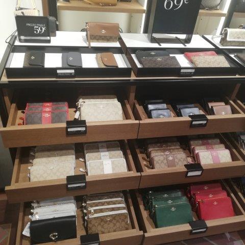 buy luxury brands italy personal shopper (15)