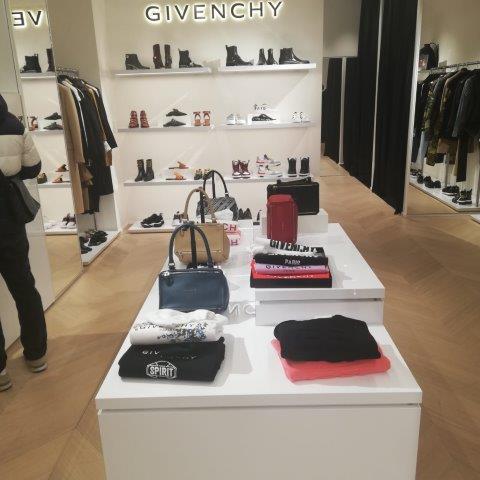 buy luxury brands italy personal shopper (6)