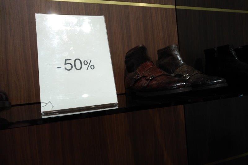 italian personal shopper fashion outlets 4